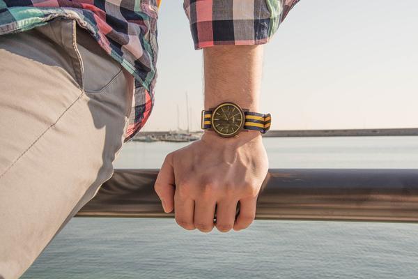 zegarki z drewna egzotycznego