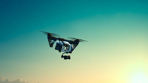 Grupowe szkolenie na operatorów dronów