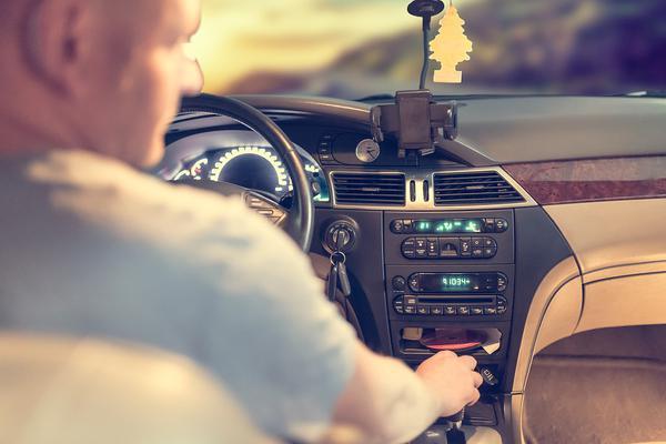 Jak wybrać dobrą szkołę jazdy?