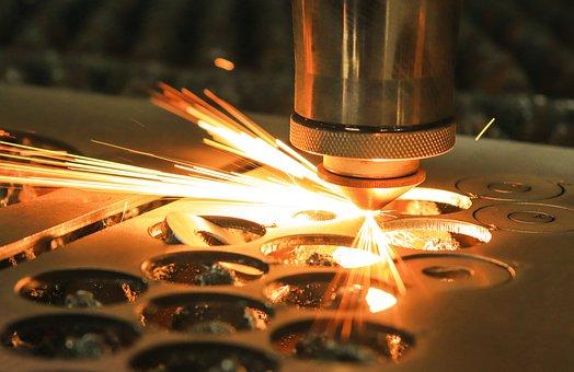 Realizacja laserowego wycinania