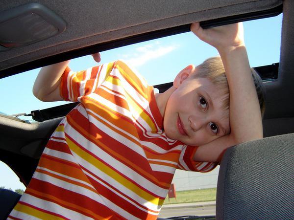 Jak wybrać najlepsze auta dla dzieci na akumulator?